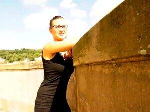 เทียร์กะพริบใหญ่ whoppers และเมาใน swap สำหรับชนิด เธอจริงแบบผมสีน้ำตาล Eurobabe เทียร์กะพริบ wobblers ใหญ่ของเธอ และเชื่อรับพายขนเธอเจาะในแลกเปลี่ยนสำหรับเงินสด