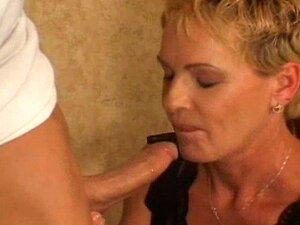 Julie Mandrews - Mrs.Stock