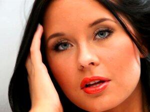 ตาสีฟ้า ลาดี - Mia Manarote