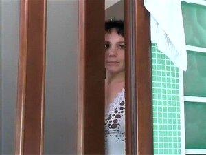 ยูเลีย Tikhomirova - ความรักในห้องน้ำ