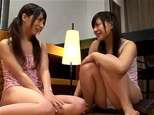 โอซาว่ามาและ Momo Nakamura ใคร่ทุกอื่น ๆ