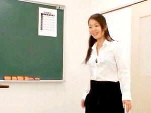 ครูได้รับนมเลีย