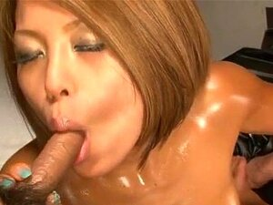 Aiki มิชชันนารี ส่าย amazes กับหีและปาก