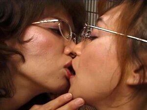 SBCD-117 Asian Lesbian Swapping Tongues Kiss
