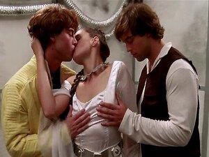Princess Lea Threeway fucking in STAR WARS XXX a Porn Parody