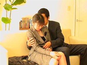 นายเพศเลขานุการของเปียกหีในญี่ปุ่น ญี่ปุ่นเลขานุการจะซน และพวกเขาตกลงที่จะมีแต้มของพวกเขาเปียกเสียบ โดยผู้บังคับบัญชาของพวกเขาอย่างมีความสุข ในภาพยนตร์นี้แคมสอดแนมกับเพศสัมพันธ์ ฉาก การบุญผู้หญิงที่เจาะ โดยปีเตอร์ยากจนถึงจุดสุดยอด