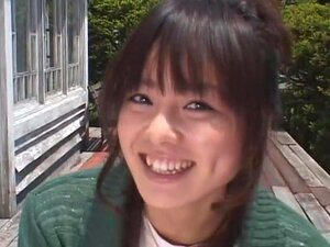 "Kawai Bicha Bicha นี่คือ ฮิ Wakana ที่น่ารัก และเป็นที่นิยมมากนักแสดงหญิงที่รู้จักกันดีปรากฏในภาพยนตร์ผู้ใหญ่จีนหลัก ""The ตำนานพระราชวังต้องห้าม: เพศและ Chopsticks "" ที่เธอต้องโกนหัวของเธอ bald ปรากฏเป็นพระ และยังมีลักษณะพิเศษที่น่ารัก คู่เลสเ"