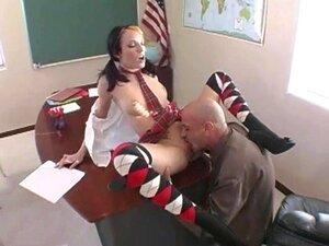 นักเรียน rawboned เซ็กซี่เย็ดบนเก้าอี้