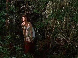 อลิซาเบธ McGovern - แข่งกับดวงจันทร์ (1984)