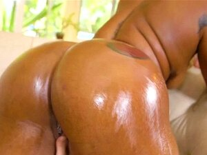 Hard hammering for ebony babe