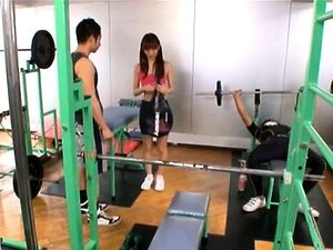 Maho Uruya Asian model has sex in the sports club