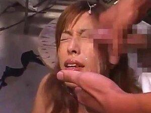ใบหน้าของน้ำ Hirose นาโอมิ