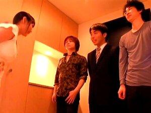 อากาเนะ Yoshinagas คลายหัวนมใหญ่เด็ก