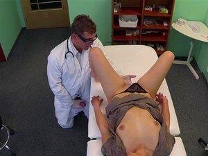 นักเรียน FakeHospital ความต้องการการตรวจทั้งหมดก่อนเริ่มทำงาน
