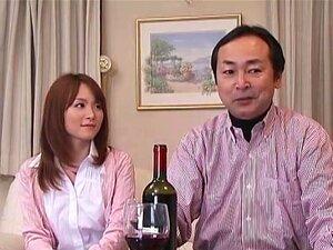 กระแทกหน้าสามี แต่งงานอย่างมีความสุขกับสุภาพบุรุษมีอายุมากกว่า Miku Ohashi สามีเป็นวัน หนึ่งที่มีการเจ็บป่วยที่เขามีอยู่น้อยกว่า 6 เดือน ในพล็อตของความโลภและความชั่วร้าย คนรอบข้างสามีของ Miku พล็อตจะใช้คุณสมบัติสินทรัพย์มากและภรรยาของเขา