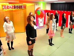 ผู้หญิง Hypnotism สมาคม นี่เป็นหนึ่งในวิดีโอที่แปลก oddball จะเป็นผู้หญิงในวิดีโอนี้เป็นกลุ่ม และสะกดจิตมืออาชีพจะมีความสนุกสนานกับสาว ๆ เหล่านี้ ถ้าคุณเคยเห็นสะกดจิตดำเนินการบนเวที และทำให้คนทำสิ่งแปลกประหลาด วิดีโอนี้ใช้เวลาหนึ่ง notch สูงอย่างสมบูรณ์ แ