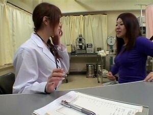 น่ากอดนักกระแทก ด้วย dildo ระหว่างยิมนาสติก น่ากอด และได้รับการเมามากสวยญี่ปุ่น โดยหมอหญิงของเธอและของเล่นในนี้ถ้ำมองพยาบาลวิดีโอ และเหมือนอย่างไม่น่าเชื่อในทางที่ผิด ยังคง เธอดูเหมือนจะสนุกกับมันมาก