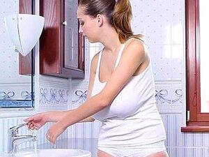 นม Buffy ใช้เวลาอาบน้ำน้ำนมร้อน ด้วยโฟม