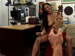 Sexy babe pawns her cello and slammed in the backroom