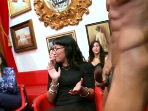 Real amateurs sucking. Real amateurs sucking strippers dick at wild party in hd