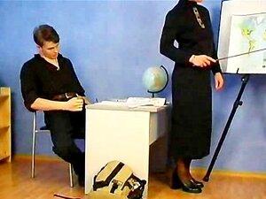 ผู้ใหญ่ครูและเธอนักศึกษาโป้กลืน
