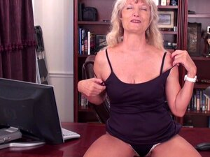 Candis feels like her hairy snatch deserves a good masturbation - Candis