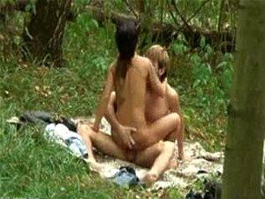 มือสมัครเล่นเพศคู่ป่า