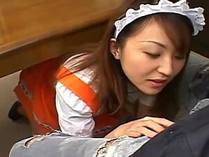 แม่บ้านญี่ปุ่นวัน gobbles ลงเย็ดผู้บังคับบัญชา