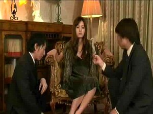 Japanese Wife Let Drivers Touch Her Pussy
