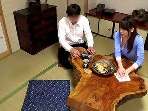 Hitomi Inoue xoạc mẹ thèm chich của thằng bạn