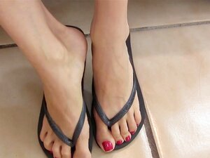 Lelu LoveRed เล็บพลิกเท้าปัด