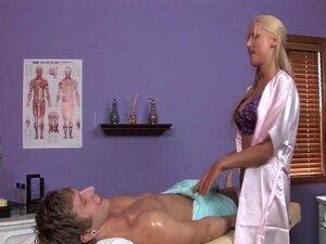 """ไดอาน่าตุ๊กตาใน """"Premium Massage"""""""