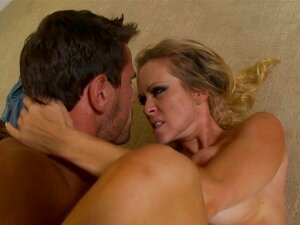 Dyanna Lauren & Manuel Ferrara in Milflicious, Scene 2,