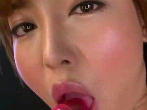 mami asakura gives herself a orgasm