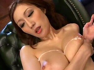 จูเลีย - อกแบนหัวนมใหญ่ หนังโป๊ญี่ปุ่นดาวจูเลียได้รับมากมายหลั่งบนหัวนมใหญ่