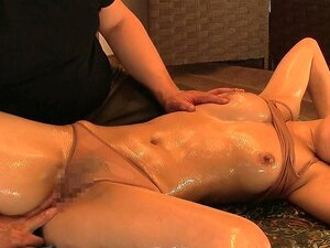 Housewife wants a relaxing massage - MilfsInJapan,