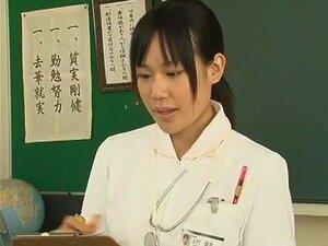 ดอกทองญี่ปุ่นเขา Yuuha ซาไก Yuu ชั้น ชิซูกะ Kanno ในวิดีโอ JAV ตื่นตาตื่นใจ