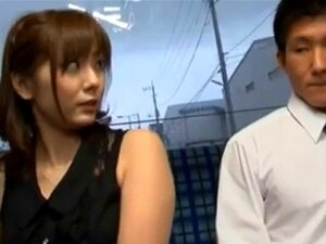 Yuma Asami enjoys sec in bus