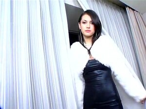 Maria Ozawa in Platinum. JSexNetwork is the leader in Maria Ozawa media on the Internet and there's no way we will let you miss out on her latest uncensored video. Featuring two lengthy hotel room scenes of cock sucking, penetration and a multitude of sexual positions. Knowing Maria Ozawa won't just let any stranger bang her, two professional porn actors were called in for the job.