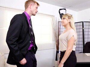 ตูดผมบลอนด์เลขานุการ Valerie ติดเจ้านายของเธอ