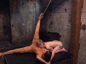 BDSM subs tiedup ทุบของพวกเขาในประเทศแจก subs tiedup และทุบ โดย dom ของพวกเขาก่อนที่จะได้รับครีม