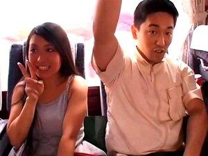 Boin Boin บัสทัวร์ คนโง่ขนาดใหญ่ 16 นักแสดงในการผจญภัยรถไปรีสอร์ท และหนึ่งบ้า นำแสดงโดยกระตุก มิ ตซุย Towa, Momosaki มานามิ Chichi Asada คิริชิ มะฮิคาริ ศุนย์โน Yui Nanase, Nemoto อะกิโกะแห่ง Kunimi นานา Riana Natsukawa, Miria Takamine ฮิ โร่ Momo, Neiro