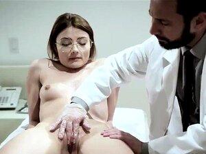 เพศหลงใหลเป็นหน้าที่ทางการแพทย์และ girl.mp4 แบบผมยาว