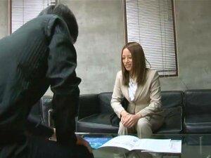 อาชีพประกันฟิลด์ Miu Ayano (ออกเสียงเป็นชิ Ayano) เป็นตัวแทนประกันภัยที่ทำงานรอบ ๆ พยายามเข้าสู่ระบบครับการประกันใหม่ เช่นจินตนาการและความจริงบางอย่าง คุณมีการเพิ่มบางขนมและความพยายามพิเศษเพื่อประทับตราการจัดการ และที่ Miu Ayano ที่มีการทำอยู่