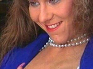 Christine ร็อบบินส์ - สมัครด้วยตนเองพึงพอใจ