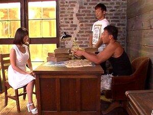 Onoue บะโดนผู้ชายสองคนในฉากที่ยาก - มากขึ้นที่ Japanesemamas com