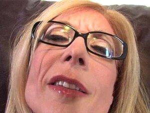 ผู้ใหญ่แม่แม่ของ BBC