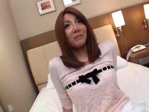 ญี่ปุ่นเจี๊ยบ Yuna Hirose ในวิดีโอ JAV ปากร้อนแรงที่สุดดีที่สุด