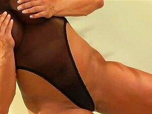 ลาติน 01 - นักเพาะกายหญิง