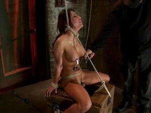 1 ขั้นตอน Porns ร่างกายที่ร้อนแรงที่สุดในโลกมืดของ BDSM คนที่ก้าวเข้าสู่ห้องใต้ดินไม่ถูกต้อง ยินดีต้อนรับสาวนิโคลไป Hogtied ผู้หญิงคนนี้มีร่างกายร้อนแรงที่สุดในพรวันนี้ เธอเป็นสวยงาม สีน้ำตาล จิ๋ว และเซ็กซี่อย่างไม่น่าเชื่อ เพียงมองที่ผู้หญิงคนนี้และคุณต้
